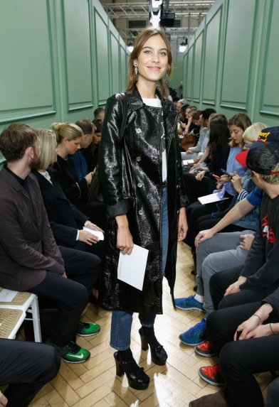 LONDON, ENGLAND - SEPTEMBER 17: Alexa Chung attends the J.W.Anderson show during London Fashion Week Spring/Summer collections 2016/2017 on September 17, 2016 in London, United Kingdom. (Photo by Darren Gerrish/WireImage)